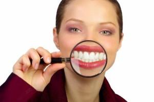 """Ceňte zuby, najdete přátele, tvrdí """"klinická studie."""" Ilustrační foto: Pinterest"""