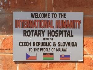 Vítejte v nemocnici, kterou Češi a Slováci provozují pro lid Malawi.
