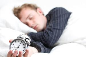 Výzkumy dokazují, že dlouhodobé spaní méně než šest hodin denně ovlivňuje koncentraci a paměť a může dokonce napomoci k rozvoji Alzheimerovy choroby. Ilustrační foto: Viewthevibe.com