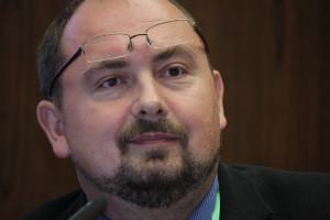 Hlasování řídil Aleš Nedopil. Dělal to profesionálně a s vtipem. Foto: TC