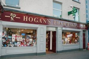 Hoganova lékárnu v Limericku. Foto: Facebook