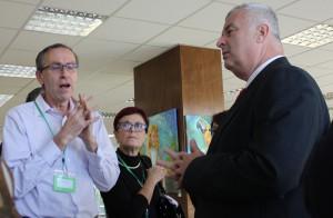 Ředitel SÚKL Zdeněk Blahuta (vpravo) byl poněkud překvapen, že se lékárníci v diskusi neptali na kontrolní činnost SÚKL, protože ústav v souladu se zákonem uložil docela tvrdé pokuty. Nakoenc se živá debata vedla v kuloárech.