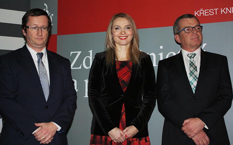 Tři hlavní autoři, zleva: soudce NS Petr Vojtek, náměstkyně MZ Lenka Teska Arnoštová a advokát Jaroslav Svejkovský.