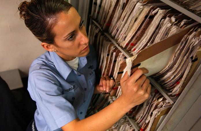Dělají studenti medicíny sester
